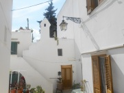 Small house with period features, garden and roof terrace 52000 euro