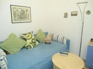 Divan/single bed in study/livingroom
